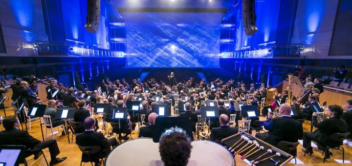 Leyendo música en tabletas - Filarmónica de Bruselas