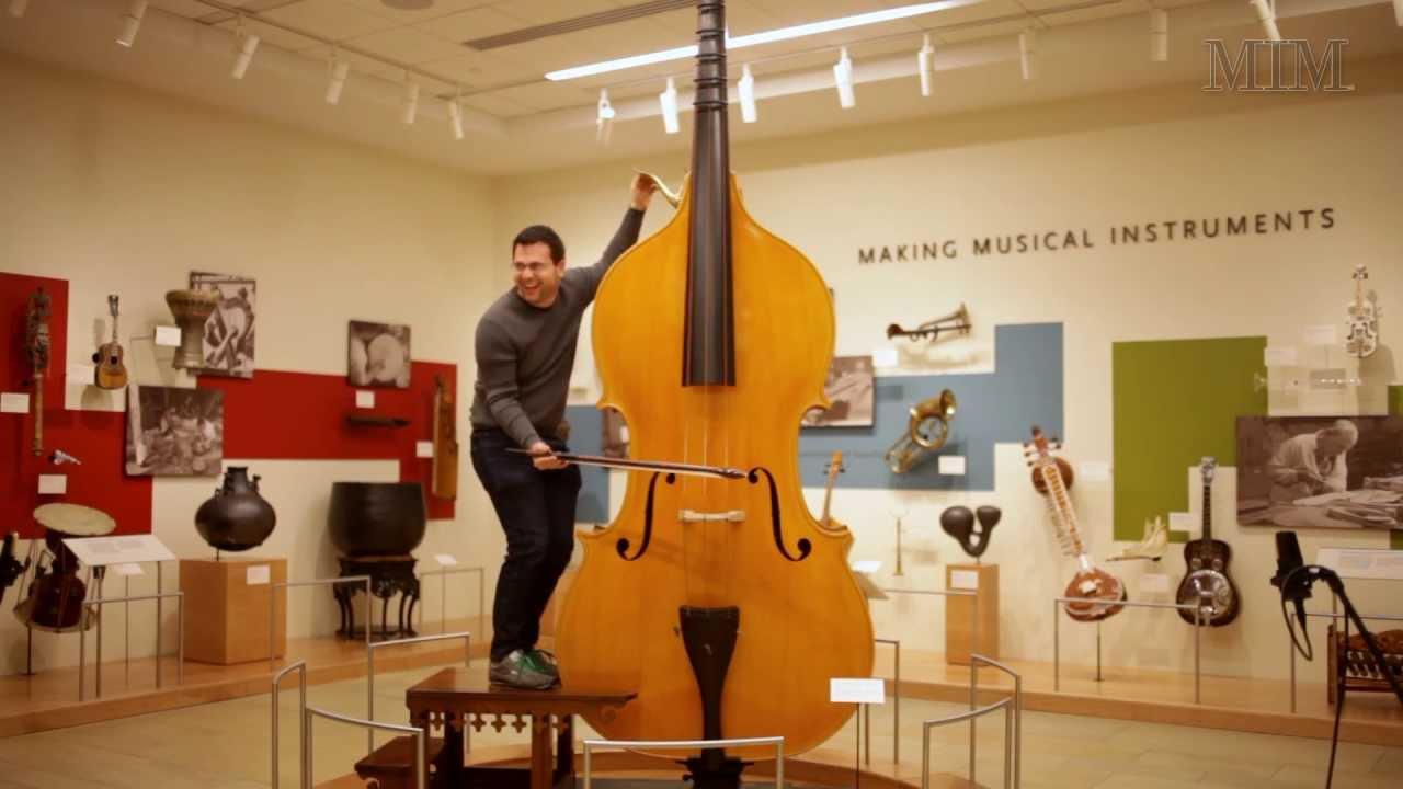 Octobajo - Un instrumento muy grave